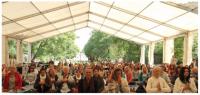 Regnigt men hjärtligt på yogafestivalen i Skåne